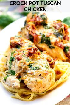 Crock Pot Tuscan Chicken is a delicious dinner with few ingredients. Make sure to add Crock Pot Tuscan Chicken to your go-to list of dinner recipes. Slow Cooker Recipes, Cooking Recipes, Healthy Recipes, Diet Recipes, Steak Recipes, Cooking Courses, Cooking Gadgets, Vegetarian Recipes, Healthy Food