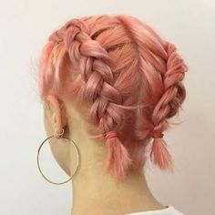 Are you thinking about dyeing your hair pink? These are the pretty pink hair colors that will make you want to switch up your hair color. Peachy Pink Hair, Hair Color Pink, Hair Dye Colors, Pink Short Hair, Short Bleached Hair, Colored Short Hair, Short Short Hair, Short Hair Colour, Short Colorful Hair