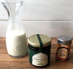 Amla-Milch mit Bauernhofmilch