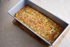 Courgette over? Wist je dat je er ook een lekkere cake van kunt maken? Maak met dit recept zelf courgette cake, lekker en makkelijk!