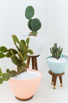 Follow this tutorial to DIY mid-century pots.