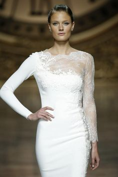 Pronovias Fashion Show at Barcelona Bridal Week 2015. Desfile de Pronovias en la Barcelon Bridal Week 2015 #Brides #Barcelona #Bridal www.barcelonabridalweek.com