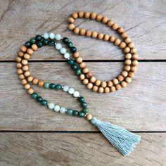 Jade et Serpentine Mode Yoga, Tassel Necklace, Jade, Jewelry, Fashion, Jewelry Ideas, African, Jewerly, Moda