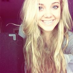 I know I have alot of pictures of Danielle Bradbery...but I really like her!!!!!!!!!