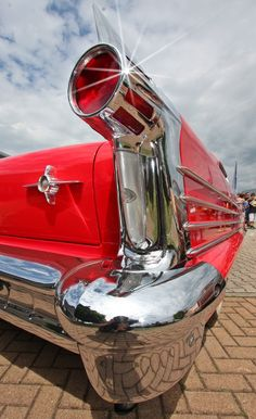 Oldsmobile 1958, more chrome impossible!