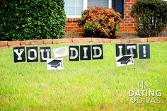 Graduation Decorations 58928 DIY Graduation Gifts Kit - cute gift ideas and fun lawn sign decoration for a grad party! Graduation Yard Signs, Diy Graduation Gifts, Graduation Party Centerpieces, Graduation Party Planning, Graduation Celebration, Graduation Ideas, Graduation Quotes, Graduation Gift Baskets, Printables