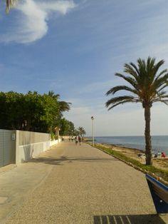 Paseo de las calas.Santa Pola,Alicante. Spain