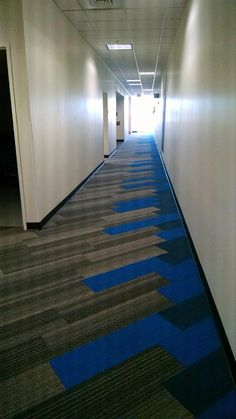 Interface Corridor - Shiver Me Timbers Hickory with On Line Lapis and Ocean