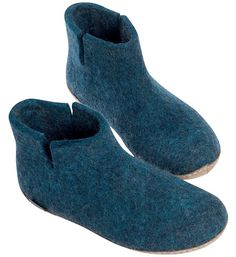Buy Glerups Felt Ankle Boot - Petrol from Hus & Hem. Made of pure natural wool with a sole of soft vegetable tanned calfskin, the Glerups petrol boot is the warmest style if you suffer from icy feet, giving comfort and warmth right up to the ankles. Winter Slippers, Cute Slippers, Felted Slippers, Leather Slippers, Leather Boots, Cotton House, Fashion Slippers, Airwalk, Slipper Boots