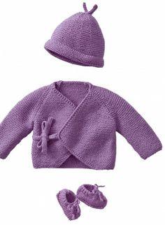 piccolissimi:giacchina, scarpine ,berretto misure da zero a 6 mesi Sie Baby Mädchen Pullover Knitting For Charity, Knitting For Kids, Baby Knitting Patterns, Baby Patterns, Baby Sweaters, Girls Sweaters, Crochet Shoes, Knit Crochet, Brei Baby