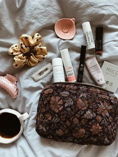 Jana Hoeg — Ellies and Ivy Aesthetic Beauty, Aesthetic Makeup, Glossier Girl, What In My Bag, Face Mist, Flat Lay Photography, Crochet Shoes, Hand Lotion, Jelsa