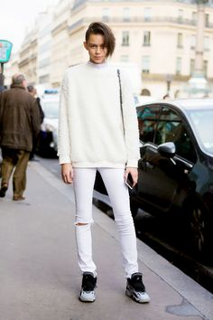 Model Binx Walton gets comfy in a fuzzy sweater, white jeans, and sneakers // #Fashion #StreetStyle