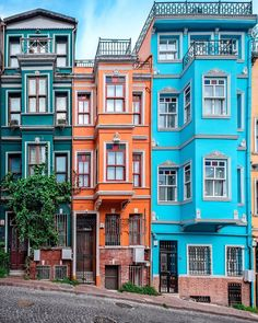 Striking Architecture Photography by Nicanor García - Architecture Colourful Buildings, Old Buildings, Beautiful Buildings, Beautiful Places, Turkish Architecture, Architecture Magazines, City Architecture, City Aesthetic, Travel Aesthetic