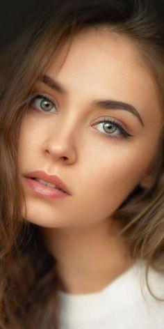 Most Beautiful Eyes, Simply Beautiful, Gorgeous Women, Pure Beauty, Beauty Women, Flawless Face, Brunette Beauty, Female Portrait, Dark Hair