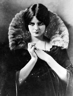 ↢ Bygone Beauties ↣ vintage photograph of Mary Astor, 1920s