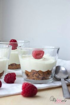 snelle witte chocolademousse, patesserie.com, frambozen
