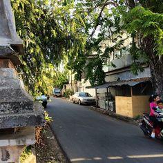 A side street in Mataram city, Lombok. #upstickandgo #travelphotos #travellingtheworld #mataram #sidestreets #cityphotos #travel #lombok #indonesia
