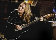 Stuff to do with your kids in Kitchener Waterloo: Celebrating September With Melissa Etheridge At Centre In The Square - Kitchener Ontario - Click the pic to enter the #CONTEST for a chance to #WIN a pair of tickets!