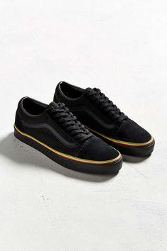 84643b68fb5fa1 Vans Old Skool Sneaker - Urban Outfitters Vans Shop