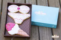 """""""Bikini con helado"""". Diseño propio que encontrarás en: http://www.galletea.com/galletas-decoradas/"""