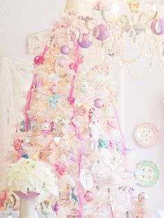 10 Most Pretty & Inspirational Christmas Decor Must-Haves | J'adore Lexie Couture