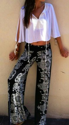 Love this look // boho at heart Look Fashion, Street Fashion, Womens Fashion, Hijab Fashion, Fashion Tips, Look 2015, Cool Outfits, Summer Outfits, Look Boho