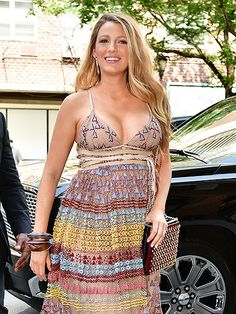 Star Tracks: Thursday, July 14, 2016 | PRETTY IN THE CITY | Blake Lively is every bit the golden girl as she steps out in N.Y.C. on Wednesday.