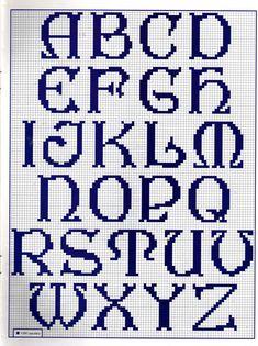 Celtic alphabet pattern http://meusgraficosdepontocruz.blogspot.com.br/2012/07/alfabetos-diversos-em-ponto-cruz.html