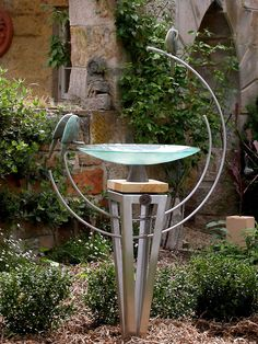 Glass dish birdbath on a stainless steel plinth with three bronze parrots on double loops (not available on a stone plinth) Outdoor Metal Wall Art, Metal Garden Art, Outdoor Art, Garden Yard Ideas, Garden Landscaping, Rustic Bird Baths, Steel Art, Outdoor Sculpture, Garden Landscape Design