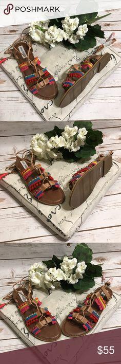 Steve Madden Boho Gladiator Sandal Gorgeous NWT boho Steve Madden strappy  gladiator sandals with multicolor pom da45e254a5