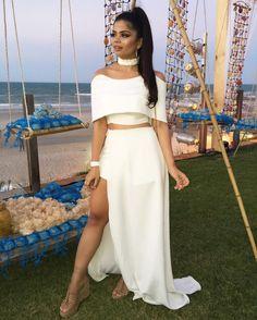 """34.5 mil curtidas, 535 comentários - I S A B E L E T E M O T E O (@isabeletemoteo) no Instagram: """"Total White @welovenx // Que look divo/deuso/muso é esse minha gente?! Nath ar-ra-sa muitooo!!! ✨✨…"""" Dresses For Formal Events, Luau Outfits, Tropical Style, Prom Dresses, Wedding Dresses, Camilla, Fashion Outfits, Womens Fashion, Evening Gowns"""
