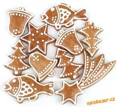 PERNIK: Czech-style Christmas gingerbread but better! Xmas Food, Christmas Baking, Christmas Treats, Christmas Desserts, Gingerbread Decorations, Christmas Gingerbread, Gingerbread Cookies, Royal Icing Cookies, Cake Cookies
