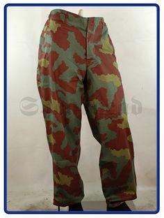 Ww2 Uniforms, German Uniforms, Camouflage, Ww2 History, Military History, Italian Army, Military Figures, Hunting Gear, Wwii