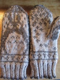 totoro-mitts-mittens-knitted-01