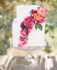 Berry floral cake