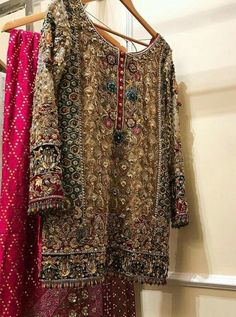 Pakistani Asian Beautiful bridal dress in golden Brown and red color Model 835 Asian Bridal Dresses, Beautiful Bridal Dresses, Pakistani Formal Dresses, Pakistani Wedding Outfits, Bridal Dresses Online, Pakistani Dress Design, Bridal Outfits, Indian Outfits, Shadi Dresses