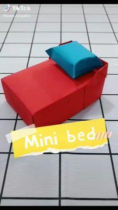 Mini Origami, Origami Toys, Paper Crafts Origami, Diy Crafts For Girls, Diy Crafts To Do, Diy For Kids, Mochila Do Bts, Origami Furniture, Preschool Arts And Crafts