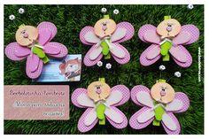 .::BAÚ DE LETRAS::. E.v.a. e Scrapbook Spring Party, Butterfly Crafts, Foam Crafts, Applique Patterns, Paper Piecing, Scrapbook, Christmas Ornaments, Holiday Decor, Biscuit