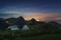 Enol Lake by Juan Pablo de Miguel