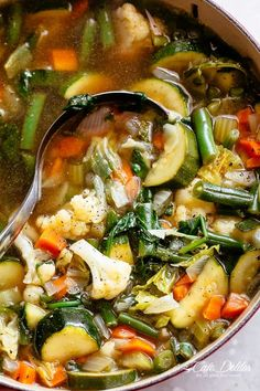 Tuscan Tortellini Vegetable Soup - Sooooooo good and super filling. Add more liquid if cooking tortellini in soup. Vegetable Soup Crock Pot, Low Carb Vegetable Soup, Homemade Vegetable Soups, Low Carb Vegetables, Veggies, Veggie Food, Tortellini Recipes, Soup Recipes, Vegetarian Recipes