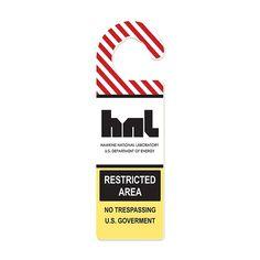 Aviso de porta Restricted Area