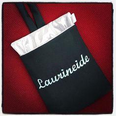 Lixinho de carro, plastificado por dentro e personalizado com nome bordado! #laurineide #encomendapronta