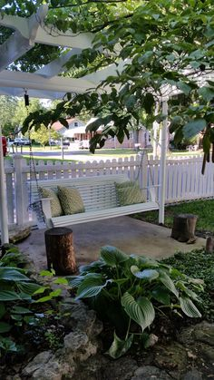 Porch swing makeover with the new Homeright Finish Max!