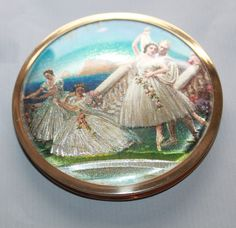 By Melissa, Made in England. Presented with Original Pouch. Hard to Find Design. Wicker Hamper, Ballet Beautiful, Powder Puff, English Roses, Compact Mirror, Presentation Design, Luxury Gifts, Ballerina, Dancing