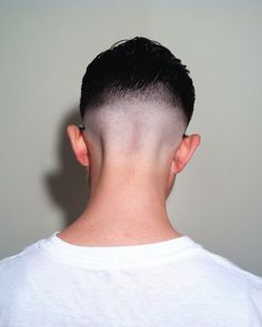 Bald fade in the back Hairstyles Haircuts, Haircuts For Men, Cool Hairstyles, Hairstyle Men, Hair And Beard Styles, Short Hair Styles, Shaving Cut, Shaved Nape, Faded Hair