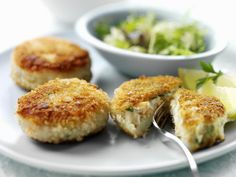 Wonderful Recipes Using Smoked Fish: Smoked Mackerel Fishcakes Maryland Crab Cakes, Fish Recipes, Seafood Recipes, Dinner Recipes, Seafood Dishes, Fish Dishes, Dinner Ideas, Cake Recipes, Recipies