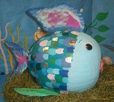 OMG RAINBOW FISH!!!! MY FAVORITE CHILDHOOD BOOK!!!!!!