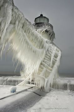 Previous Pinner labeled this picture as Lighthouse in Michigan City, IN. I have seen similar pictures labeled St Joseph Northpier Lighthouse in St Joseph, MI. Either way, great picture! All Nature, Amazing Nature, Science Nature, Norway Nature, It's Amazing, Cool Pictures, Cool Photos, Beautiful Pictures, Amazing Photos