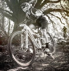 Specialized unveils its first women's full-suspension 29er