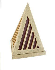 #lampe en carton faite par Joli-Carton, artisan cartonniste. Eclairage tamisé.  #faitmain #artisanat